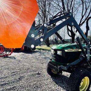 John Deere lietoti traktori