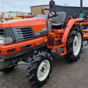 Lietots traktors Kubota Gl-240
