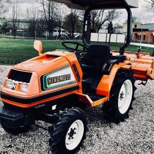 Hinomoto lietoti traktori