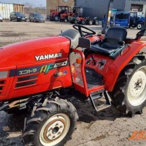 Lietots minitraktors Yanmar Af250