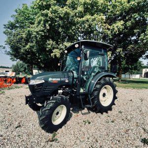 Jauni traktori