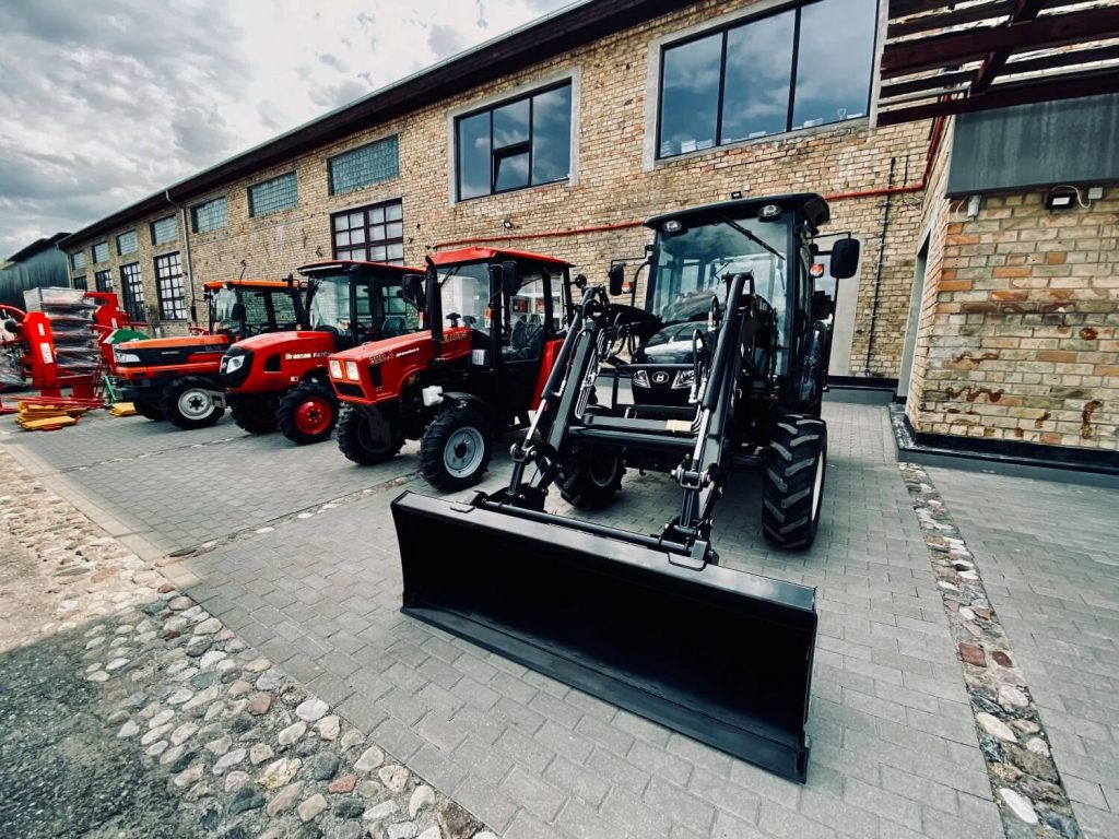 Traktori Branson Belarus Kubota